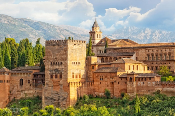 The Alhambra Palace Spanish Home - Spain propety experts
